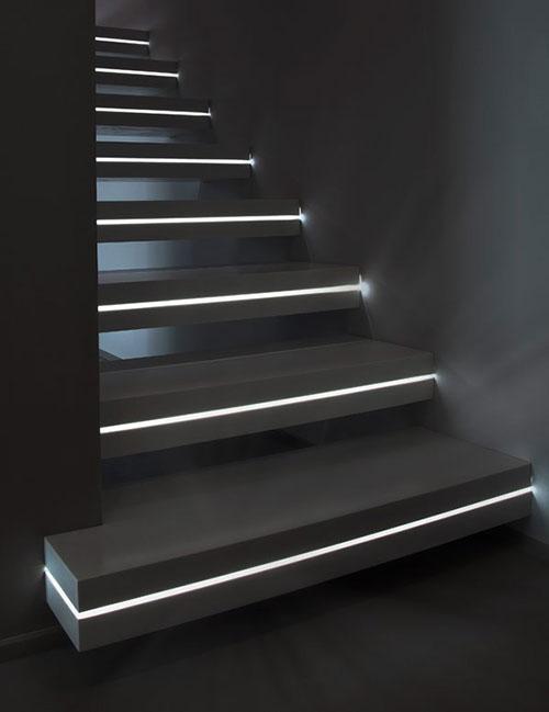trap met verlichting