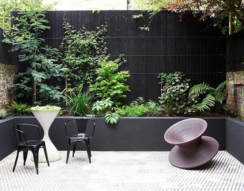 Tuin ideeën vaste plantenbak rondom tuin