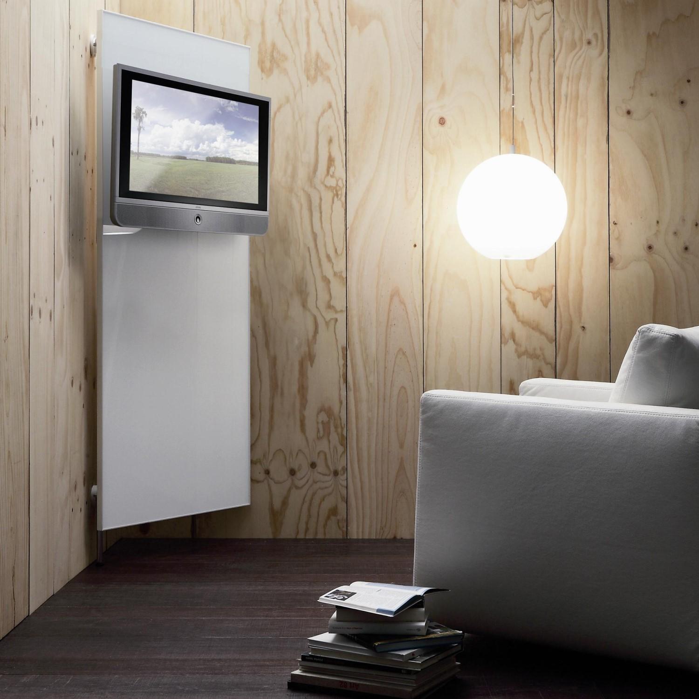 TV in de hoek met paneel
