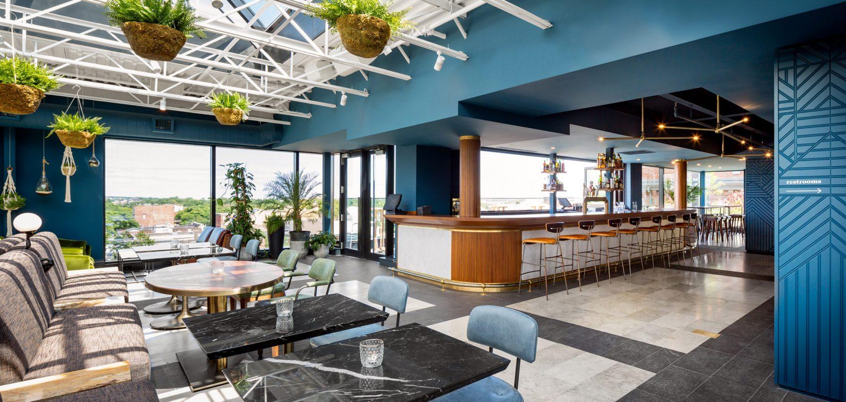Van stripclub tot een stijlvol designhotel - The Broadview Hotel!