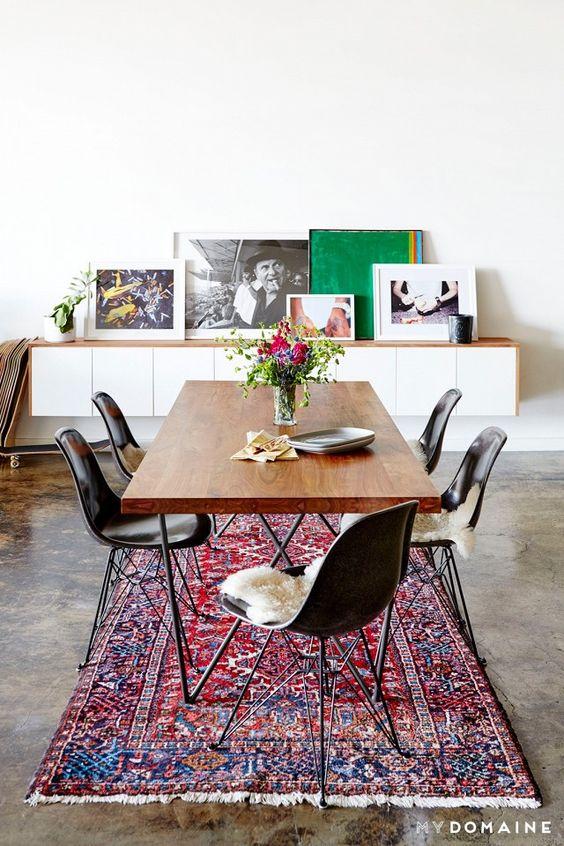Vintage vloerkleden zijn hot interieur inrichting - Tapijt onder de eettafel ...