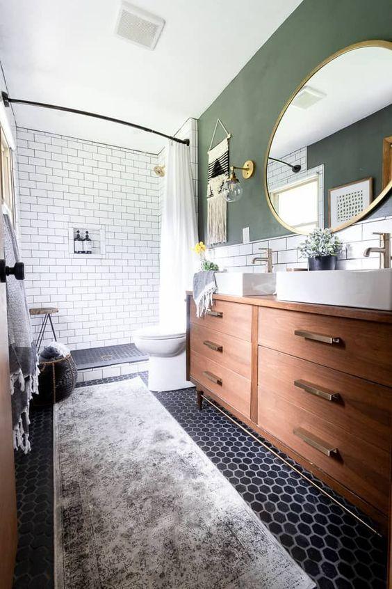 Vintage vloerkleed in de badkamer