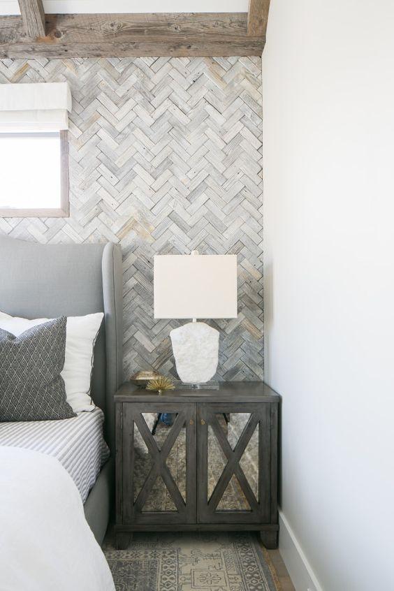 visgraat-muur-slaapkamer-hout
