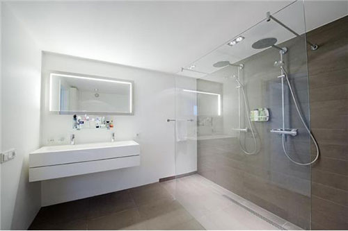 Badkamer met dubbele douche onze nieuwe badkamer met for Manege interieur