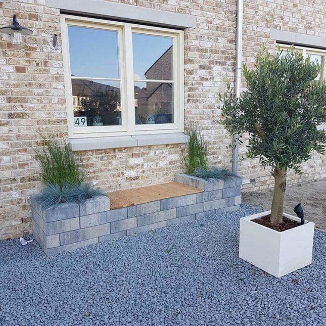 voortuin ontwerp plantenbak bank combinatie