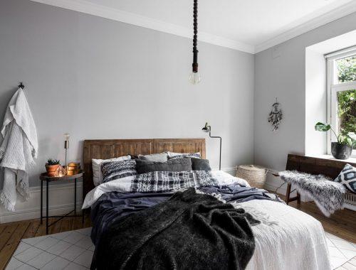 Moderne woonkeuken met kookeiland en ronde eettafel  Interieur ...