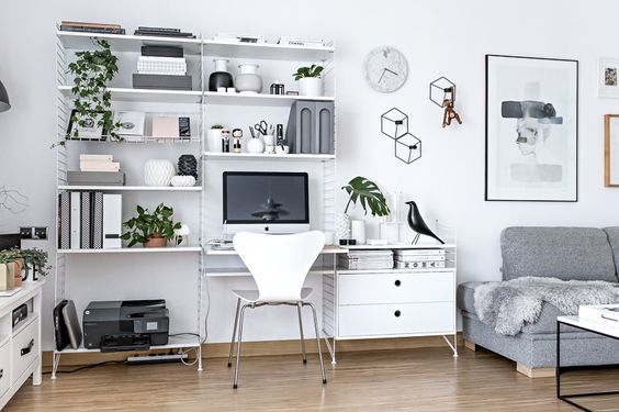 Werkplek in de woonkamer