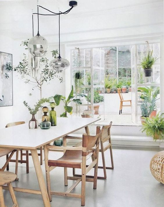 witte-eettafel-houten-poten