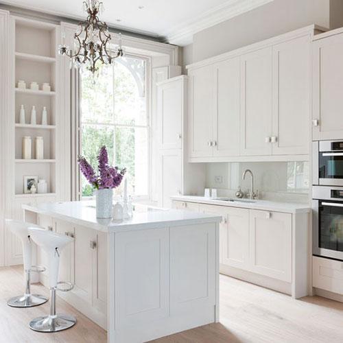 Witte keukeninterieur inrichting interieur inrichting - Kleur witte keuken ...