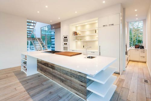 Keuken Schilderen Kosten : Strakke Moderne Woonkamer: Boekenkast op maat in wit staal – moderne