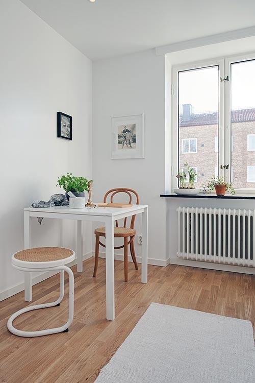 Witte keuken met marmeren keukenblad
