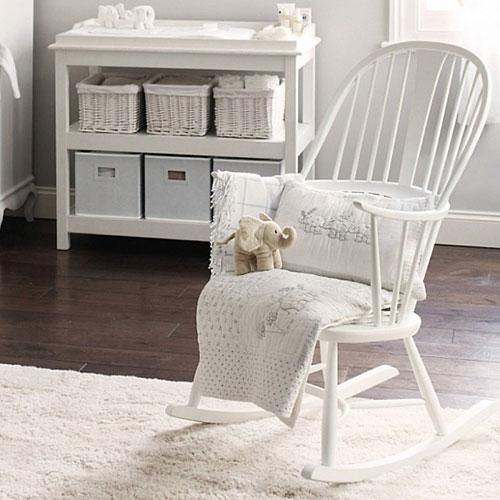 Witte schommelstoel