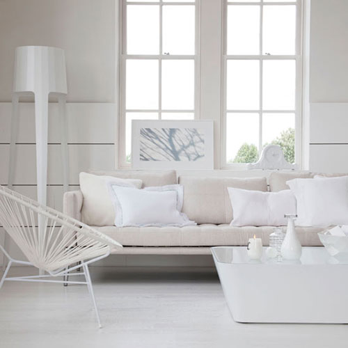 Witte woonkamer inrichten interieur inrichting for All white living room designs