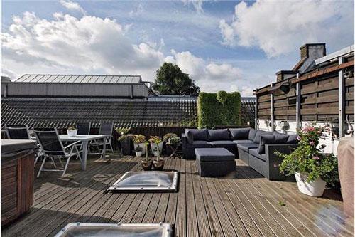Woning te koop in amsterdam met garage en dakterras for Huis voor paardenliefhebbers te koop