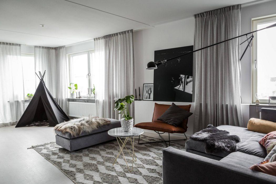 woonkamer grijze gordijnen