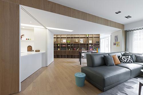 Woonkamer inrichting met schuine muren interieur inrichting - Interieur inrichting moderne woonkamer ...