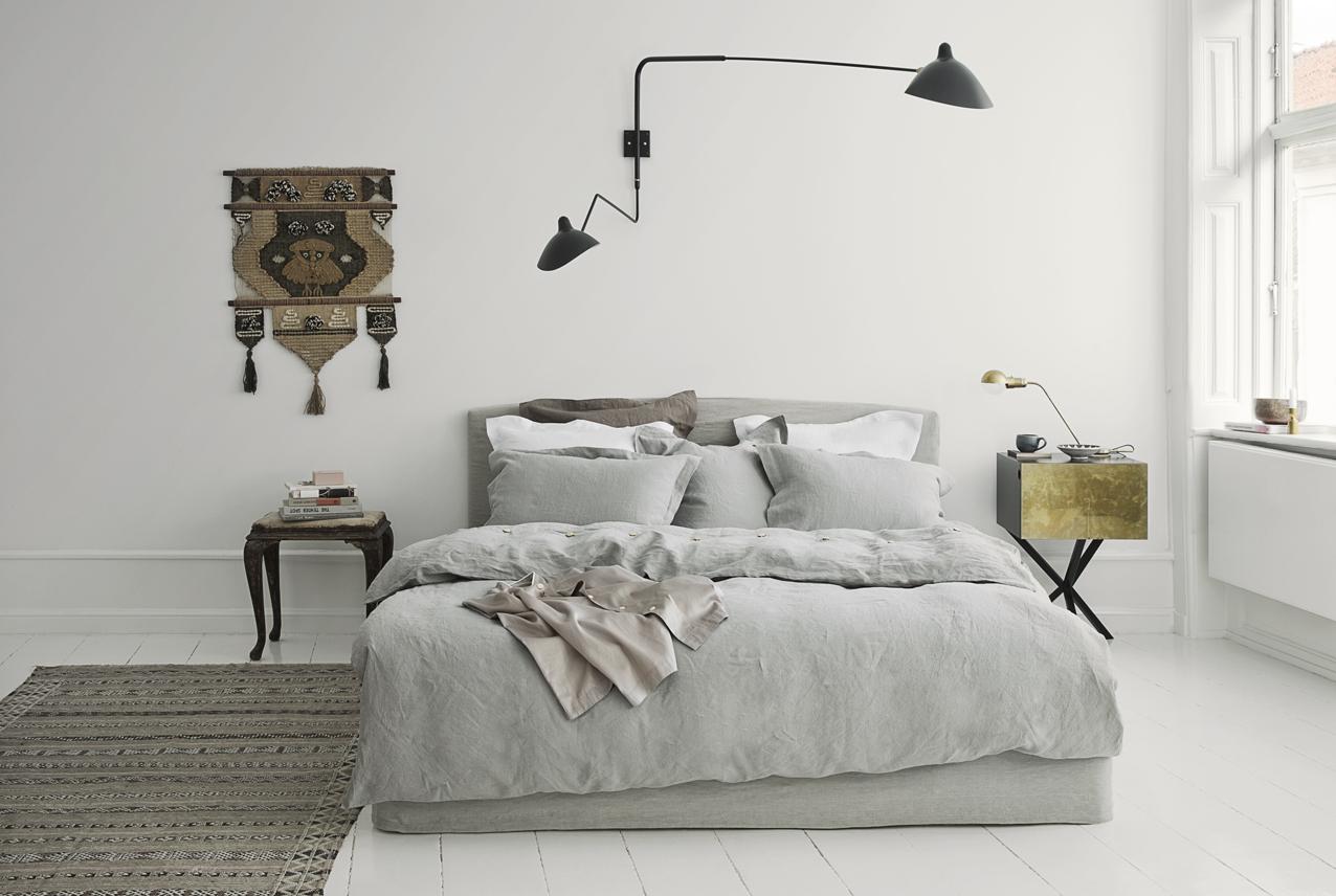 Witte Commode Slaapkamer : Zachte tinten in een witte slaapkamer ...