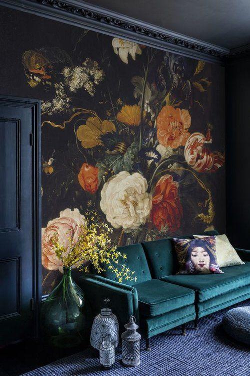zwart behang bloemetjes woonkamer