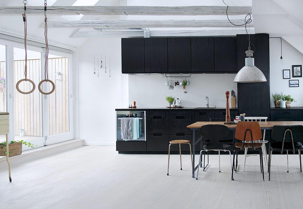 Zwarte keuken van deense juwelier annette interieur inrichting
