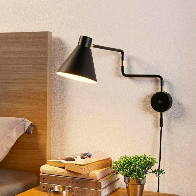 Zwarte retro wandlamp