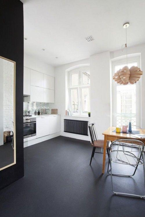 Zwarte vloer inspiratie interieur inrichting - Na de zwarte bank ...