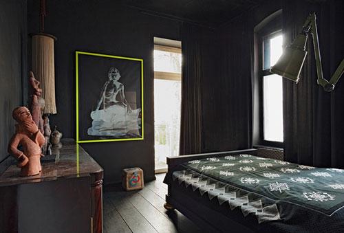 Zwarte woning interieur designer Sylvester Koziolek