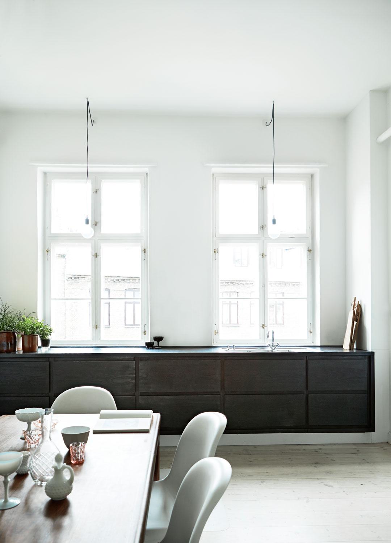 Zwevende Keuken Showroom : Scandinavian Minimalist Kitchen