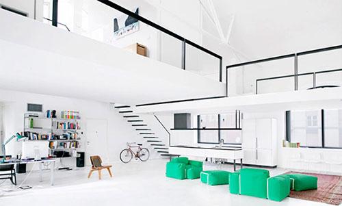 Zwevende trap woonkamer